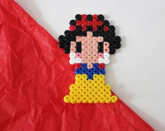 "Snow White Walt Disney ""Snow white and the seven dwarfs"" in pearls hama (pixel art)"