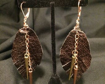 Leather leaf earrigs with chain