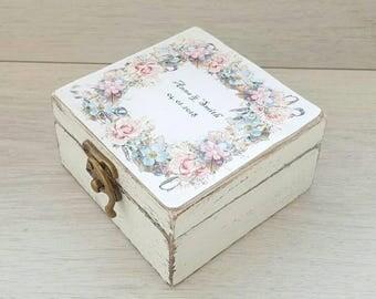 Rustic wedding ring box, Personalized wedding holder, Jewelry shabby chic box, Ring bearer box, Custom holder, Personal box, Wooden ring box