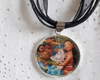 Black girl necklace from the islands of Polynesia