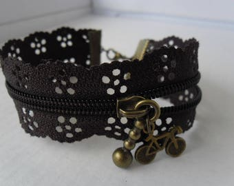 Zipper bracelet with Brown flowers