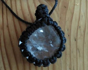 Quartz macrame necklace