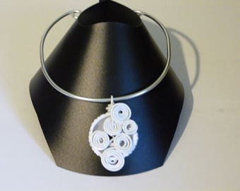 THE WHITE ALUMINUM WIRE CHOKER NECKLACE