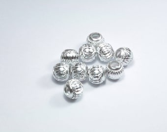 PE265 - Set of 10 silver synthetic beads