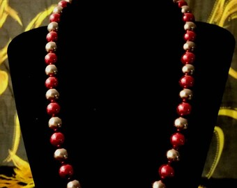 mid-long necklace in copper and Garnet beads
