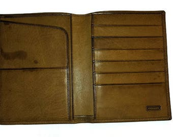 Coach Passport Wallet c. 1990/Leather