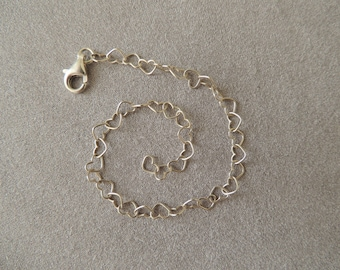 Sterling silver bracelet chain in the shape of hearts