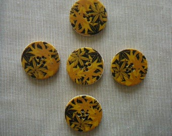 Leafy patterns orange/yellow/brown - set of 30 mm diameter, new, 5 wooden buttons.