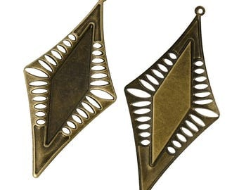 2 prints filigree brass diamond shape