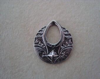 Silver metal pendant