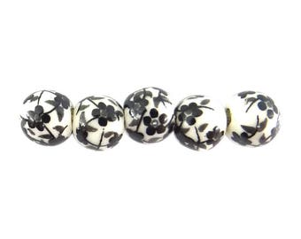 10 ceramic beads 6 mm black pc059 flower pattern