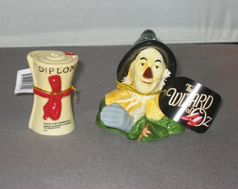 Wizard of Oz Scarecrow Slat and Pepper Set
