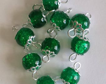 5 connectors 8mm Green Crackle glass beads