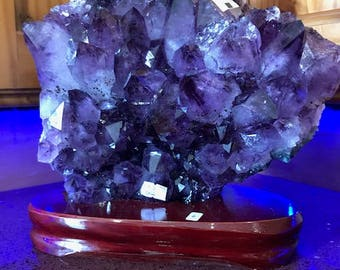 Amethyst Cluster Crystal Druzy Premium Queen Grade Amazonian River Bed 5.44KG Free Standing Wooden Base