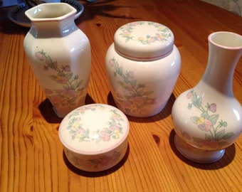 Vintage Royal Worcester pottery - Palissy , Chantille