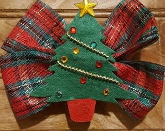 Holiday hair bow, Christmas hair bow, candy cane hair bow, red and white hair bow, girls hair bow, santa hair bow