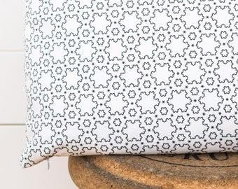Abstract Snowflake Pillow Cover 20x20 - minimal pillowcase - geometric throw pillow - grey cushion - mathematic - black and white - cotton