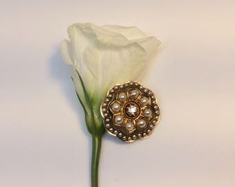 Antique  Victorian diamond and pearl brooch in 18 ct gold