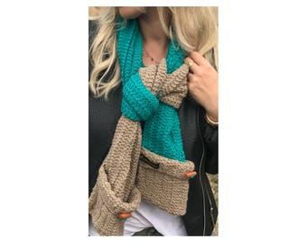 Beige & green scarf with pockets