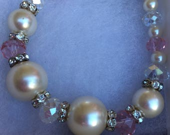 White pearl and pink bracelet