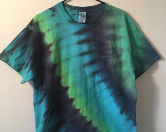 Men's Tie Dye T-Shirt w/ Chest Pocket
