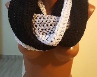 Handmade Scarf / Scarves / Infinity Crochet Scarf / White Black Scarf / Chunky Scarf / Winter Scarf / Winter Shawl / Crochet Scarf / Scarves