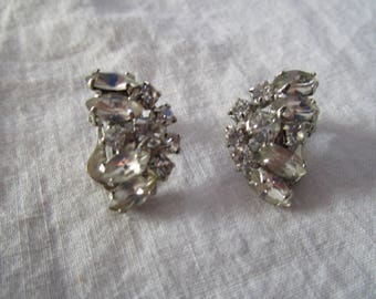 Vintage Cluster White Rhinestone High Fashion Clip on Earrings
