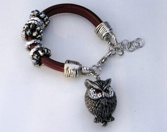 Leather bracelet with Pendant
