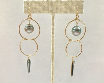 Tahitian pearl with abalone shell dabble hoop earrings