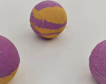 Extra Large Bath Bombs (multiple scents to choose from!)