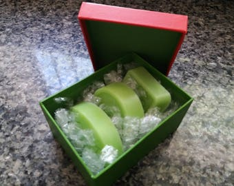 Artisan soap 100% natural of Aloe Vera, honey, olive oil and lemon.