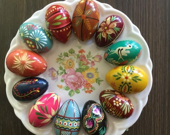 EGGCELLENT Twelve Wooden Easter Eggs Hand Painted Vintage