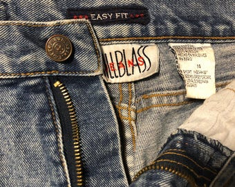 Comfy High-Waisted Jeans