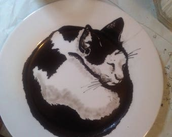 Manually painted plate