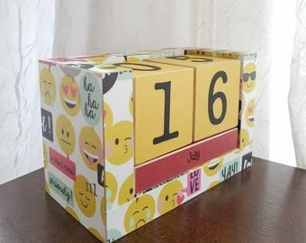 Perpetual Calendar - Wooden Block Calendar - Handmade Calendar - Emoji Faces - Smilie Face - Girl Bedroom Decor Handmade