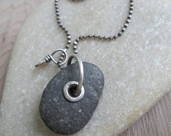 Long Beach Stone Necklace Silver Riveted Beach Stone Charm Necklace Unisex Beach Stone Pendant Riveted Long Silver Necklace Summer Jewelry