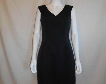 Closing Shop 40%off SALE Vintage 80s little black dress