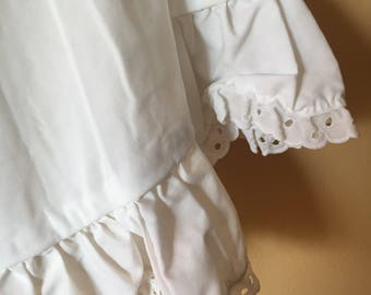 Vtg White Full Eyelit Trim Skirt // Slip // Petticoat