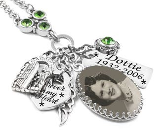 Memorial Jewelry, Custom Memory Necklace, Mom Memorial Necklace, Dad Memorial Pendant, Loss of Loved One, Personal Photo