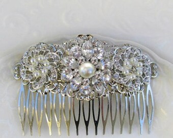 Bridal Hair Comb, Wedding Hair Clip, pearl Barrette, Crystal head Piece, Wedding Hairpiece, Crystal comb, Decorative Comb