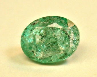 Vintage EMERALD FACETED Gemstone Light Green 2.00 cts fg191