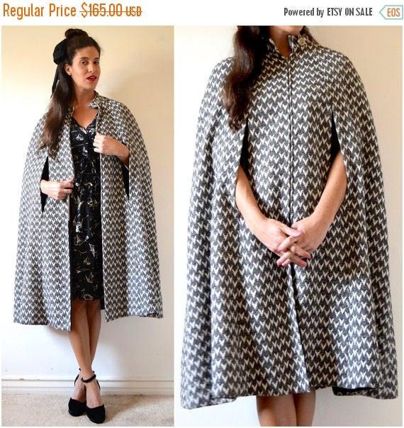 SUMMER SALE/ 30% off Vintage 50s 60s Grey and White Wool Bell Shaped Zip Up Cape