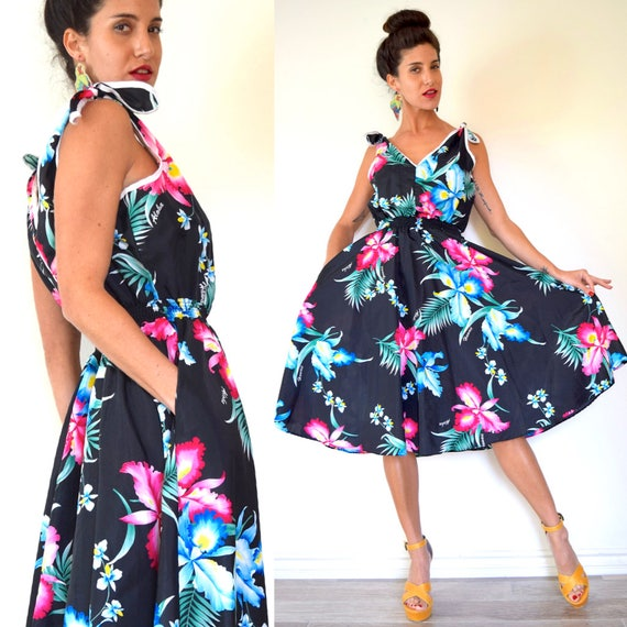 Vintage 70s does 50s Hawaiian Print Shoulder Tie New Look Sun Dress (size medium, large)