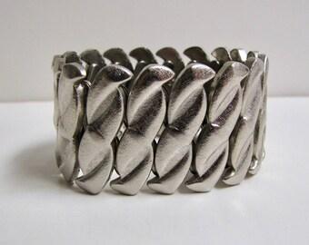 Vintage Stretch Bracelet, Vintage Expansion Bracelet, Vintage Japan Bracelet, Silvertone, Texture Bracelet, Wide bracelet, Vintage Jewelry,