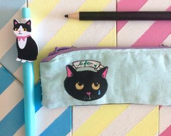Cat Back To School  Astuccio cucito e dipinto a mano  gatto nero Life  scuola - verde menta cuoricini bianchi cotone blu  pezzo unico  vegan