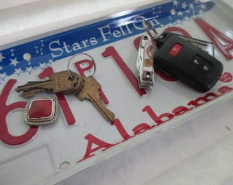Repurposed License Plate Coin and Key Tray - Rustic Alabama Plate - FREE SHIPPING - Roll Tide - Serving Tray - Gift