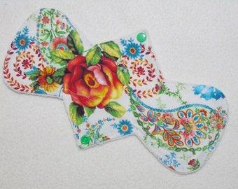 "10.5"" Regular - Roses on Cream - Reusable Cloth Menstrual Pad (10OSMC)"