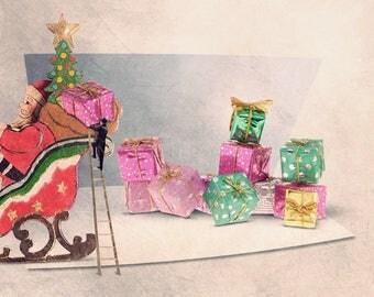 Christmas Gift, Christmas Decoration, Santa Claus, christmas sled, Children Decor, Christmas trend, santa claus prints, santa clause
