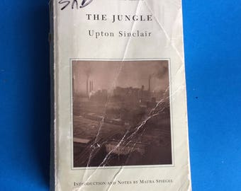 The Jungle by Upton Sinclair - Paperback