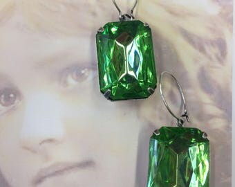 Vintage West German Glass Jewels Faceted Stones Peridot In a Sterling Silver Ox Plated Setting or part of an earring kit 25 x18mm 229SOX x2